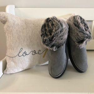 Gray Fuzzy Slippers Size 8-10 NEW